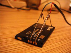 Зарядка телефона с помощью «Лягушки»