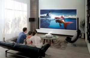 Что выбрать: телевизор или проектор — правильный выбор