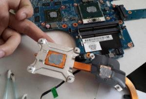 Как поменять термопасту на ноутбуке