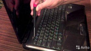 Как поменять клавиатуру на ноутбуке?