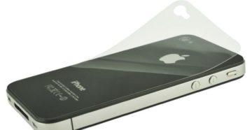 Наклейка защитной плёнки на iPhone